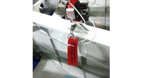 flammes de sécurité - mini flamme PVC rouge avec oeillet et anneau brisé